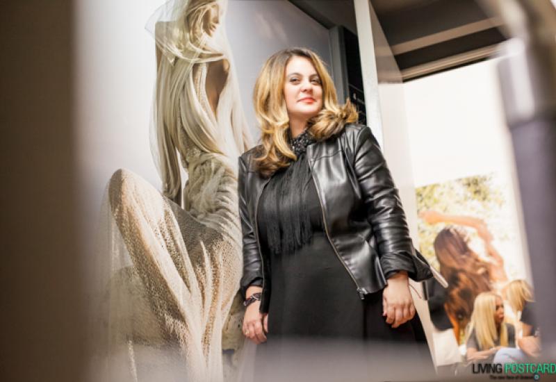 'Έκανε την Ελλάδα ξανά μόδα, με τις καρτ ποστάλ της'' . Συνέντευξη στο e-daily.gr