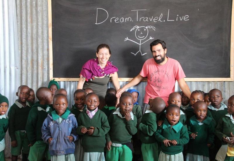 Η Φωτεινή Κωστούλη συνομιλεί με τον Ελπιδοφόρο Xρυσοβέργη και την Δώρα Μπίτση για το project ''Dream. Travel. Live''.