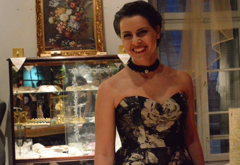 Η Alexandra Velentza και ''μια έκθεση όπως παλιά..''