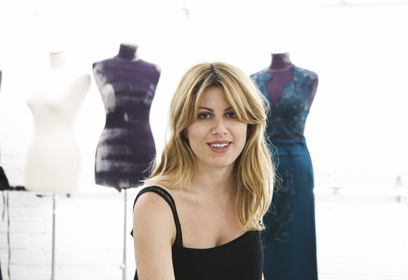 Μιλώντας με την σχεδιάστρια Ιωάννα Κουρμπέλα για την επόμενη μέρα στον τομέα του  ''επιχειρείν''.