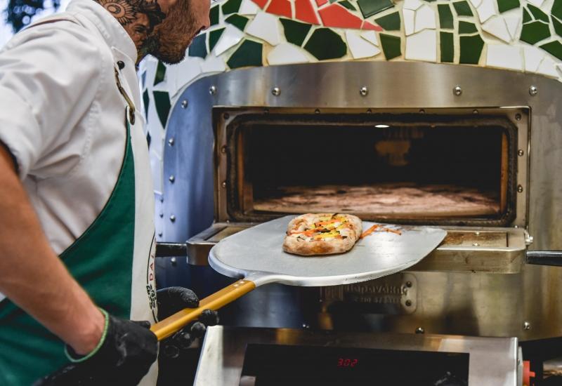 Δoκιμάζοντας απίθανες πίτσες στο Pizza Dal Professore