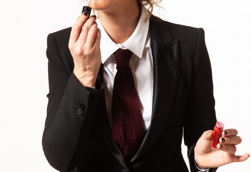 Ήρα Κατσούδα-«Για γυναίκα, καλή είναι» - Mια απολαυστική συνέντευξη.